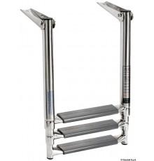 Echelle télescopique pour plate-forme avec tubes ovales et marche majorée
